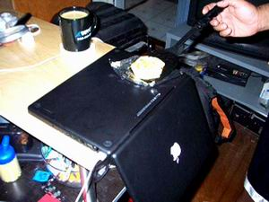 Macbook stove: egg fry